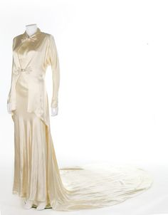 Dress, oyster bias cut satin, worn by showgirl Dixie Brown, late 1930s, Kerry Taylor Auctions