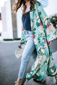 This beautiful, mid-weight kimono makes your life easy — it's easy to clean and easy to wear. With the soft, gentle material and luxurious drape, whether you're lounging or layering, this kimono cover up will make you feel like a queen. Kimono Floral, Cardigan Kimono, Kimono Jacket, Long Kimono Outfit, Chiffon Kimono, Green Kimono, Summer Kimono, Floral Cardigan Outfit, Kimono And Jeans