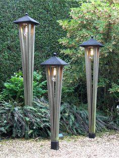 toffe verlichting in de tuin gezien in de voorbeeld tuinen van Appeltern Nederland