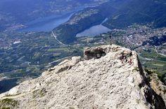 Flying over......  #mountain #laghi #lakes #montagna #fortess #livelovevalsugana #trentino #valsugana #pizzo #italy #cimavezzena #fort #mountaintop