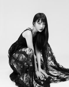Joy (Park Soo Young)- lacy B&W - a terrific shot. Seulgi, Red Velvet Joy, Red Velvet Irene, Park Joy, Red Velvet Photoshoot, Joy Instagram, Park Sooyoung, Thing 1, Coral Pink