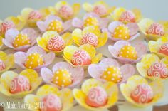 Forminhas Flor Estampa Floral Rosa e Amarelo by mirelagoi, via Flickr