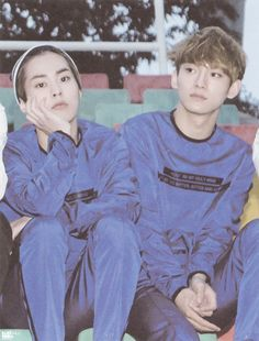 Shared by Just a girl. Find images and videos about exo, xiumin and Chen on We Heart It - the app to get lost in what you love. Exo Memes, Baekhyun Chanyeol, Exo K, Kpop Exo, Exo Ot12, Chanbaek, K Pop, Got7, Exo Couple