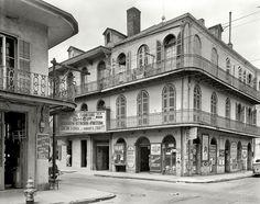 1937 photo by Frances Benjamin Johnston of 842 Royal Street