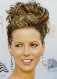 15 Brötchen Frisuren für langes Haar,