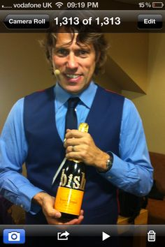 """Well what an end to the run in Nottingham! Once again though a lovely present from the venue. A night to remember. John Bishop, Comedy Actors, Capital Fm, A Night To Remember, Social Platform, Comedians, About Uk, Handsome, Memories"