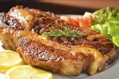 Tips on Pan-frying Rib-eye Steaks