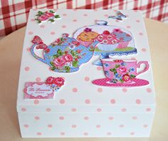 Atölye Beyaz Painted Boxes, Wooden Boxes, Decoupage, Old Boxes, Altered Boxes, Kitchen Paint, Scrap, Vintage Wood, Shabby Chic Decor