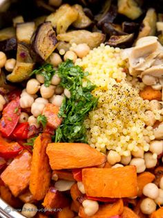 SALATA DE LEGUME CU CUSCUS | Diva in bucatarie Quinoa, Salads, Recipies, Vegetables, Cooking, Food, Birthday, Garden, Party
