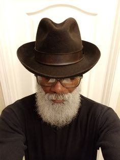 OldsCool Rasta  $$ Custom Made High Quality Stiff Fedora  2 Mens Dress Hats, Men Dress, Gents Fashion, Man Fashion, Cheap Fashion, Rock Style Men, Moda Formal, Black Men Beards, Beard Game