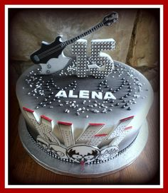Kiss band - Cake by Petraend Banda Kiss, Kiss Rock Bands, Kiss Band, Cake Cookies, Cupcake Cakes, Cake Band, Food Artists, Wedding Kiss, Custom Cakes