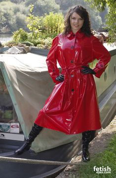 Red Raincoat, Vinyl Raincoat, Raincoat Jacket, Plastic Raincoat, Imper Pvc, Mode Latex, Shiny Boots, Rubber Raincoats, Raincoats For Women