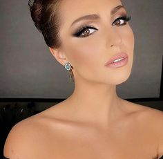 wedding makeup for brunettes Love this. - wedding makeup for brunettes Love this. wedding makeup for brunettes Love this. Evening Wedding Makeup, Evening Eye Makeup, Best Wedding Makeup, Natural Wedding Makeup, Wedding Makeup Looks, Bridal Hair And Makeup, Hair Makeup, Arab Makeup, Indian Makeup