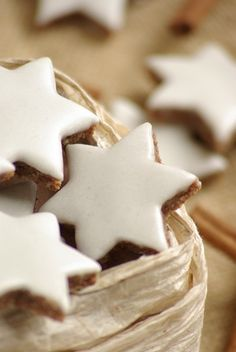 (Cinnamon Star Cookies) Zimtsterne - cinnamon almond star cookies, traditional during the holidays. One of my favorite cookiesZimtsterne - cinnamon almond star cookies, traditional during the holidays. One of my favorite cookies German Christmas Cookies, German Cookies, Noel Christmas, Christmas Goodies, Christmas Treats, Christmas Baking, Xmas, German Christmas Traditions, Traditional Christmas Cookies