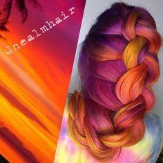 Y también que los colores del atardecer se ven divinos cuando los plasmas sobre tu pelo.   Estas fueron las tendencias de cabello que nos enamoraron en el 2015