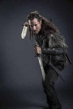 Alexander Dreymon as Uhtred in The Last Kingdom Season 2 Last Kingdom Season 2, The Last Kingdom, Viking Armor, Viking Age, Vikings Tv, Norse Vikings, Lagertha, Uhtred De Bebbanburg, Alexander Dreymon