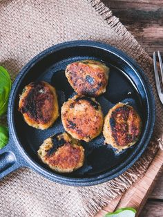 munakoiso-linssipyörykät Iron Pan, Falafel, Pasta, Kitchen, Recipes, Food, Cooking, Kitchens, Recipies