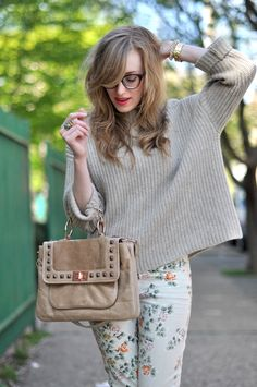 love the flamboyant pants mixed with casual sweater. love the '50's glasses and her casual hair, casual mixed with vintage class