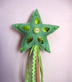 Accessoires zum Tinkerbell Kostüm selber machen - Feen Zauberstab basteln