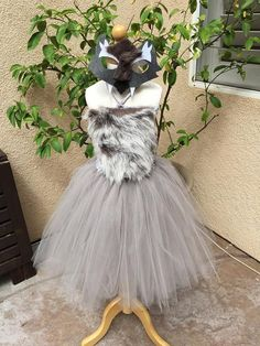 Handmade, adorable tulle Halloween costumes. Please note some colors may vary slightly. For sizing please send me measurements from Armpit to