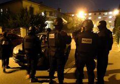 Descente de police aux Izards après les attentats de Paris. Thierry Bordas  /  DDM