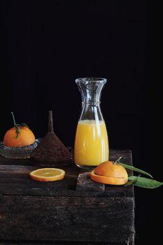 En casa de mi suegra tenemos un naranjo que este año nos está dando muuuuchas y riquísimas naranjas dulces, así que los zumos de naranja na...