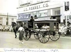 The former J. Penney building (Main and Spring) during the 1957 Centennial parade (with old B. Thacher Funeral Home horse-drawn hearse) Boonville Missouri, Wilkes Barre Pennsylvania, Luzerne County, Long Way Home, Farm Boys, Horse Drawn, Historical Images, Old Barns, Old Pictures