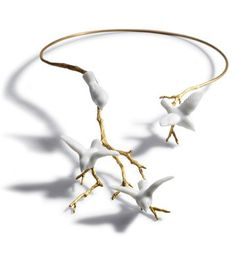 Lladro Re-Cyclos Magic Forest Collection, Open Necklace, 18 Karat Gold Plated Sterling Silver (925 0/00) Jewellery with White Porcelain Doves ♥ Source: Lladro, Designer: Bodo Sperlein