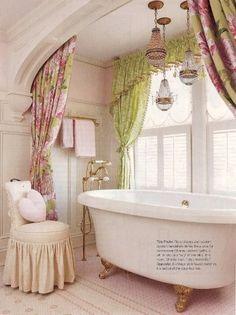 DIY:: Romantic Ideas To Update Your Bathroom !