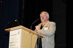 """Fundación Triodos - Thomas van Elsen, Academia Europea para la Cultura del Paisaje, durante su ponencia """"Salud del paisaje"""" en la mesa redonda: La dimensión social de la agricultura ecológica."""