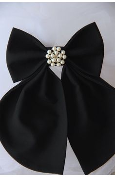 Black Women's Bow Tie Genuine New Brooch by VaniaSzaszBows Brooch Corsage, Women Bow Tie, Techniques Couture, Ribbon Bows, Vintage Brooches, Silk Ties, Hair Bows, Headbands, Chokers