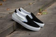 cd8a16c30e Vans Vault OG Slip On 59 LX One Foot On 17SS Kanye Black White C329 Skate  Shoes  Vans