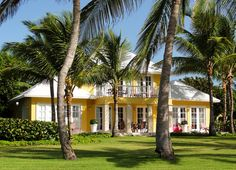 Win a vacation to Oscar de la Renta's Caribbean resort. Click through for details.