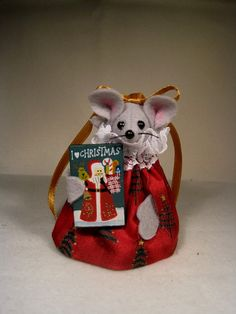 I LOVE CHRISTMAS by atticmouse on Etsy, $10.00