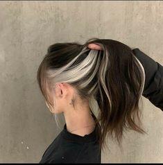 Hair Color Streaks, Hair Color Purple, Hair Dye Colors, Hair Highlights, Two Color Hair, Hair Inspo, Hair Inspiration, Hair Color Underneath, Highlights Underneath Hair