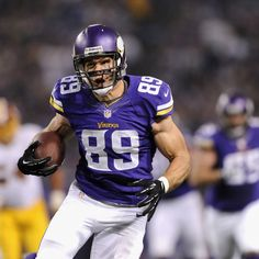 hi-res-187302559-john-carlson-of-the-minnesota-vikings-carries-the_crop_exact.jpg (1500×1500) John Carlson