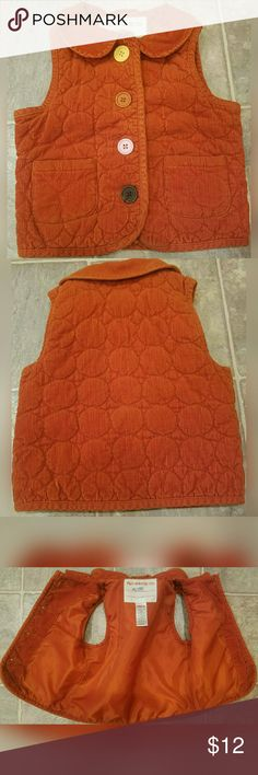 Adorable, corduroy vest!! So cute! Love the buttons! Great rust color. Two front pockets. Excellent condition. See 4th pic for materials. Double score, if your kiddo's name is Alice. ;) Gymboree Jackets & Coats Vests