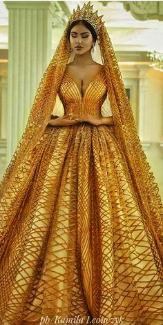 Make Your Dreams Come True In This Magical Wedding Dress by Merita - Albanian wedding dress designer and Makeup Artist ParukeriEestetikeMerita just blew us away with this Slay Queen inspired wedding dress