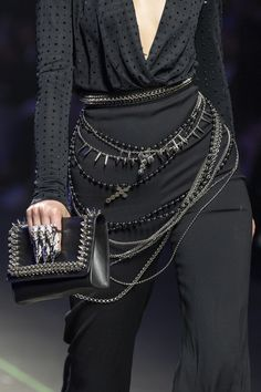 Philipp Plein Spring 2020 Men's Fashion Show Details - Men's style, accessories, mens fashion trends 2020 Men Fashion Show, Fashion Outfits, Womens Fashion, Casual Outfits, Dark Fashion, High Fashion, Fashion Goth, Couture Fashion, Runway Fashion