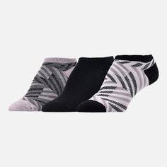 117f5e4bbd8f Front view of Women s Finish Line Zig Zag 3-Pack No-Show Socks in