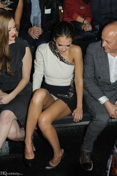 Sexy Jessica Alba #upskirt pics.