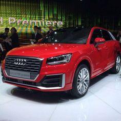 Começou! #Audi Q2 é a pequena estreça da marca no #UOLCarrosnoSalãodeGenebra2016. #GenevaMotorShow #carros #cars