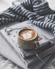 3,307 отметок «Нравится», 37 комментариев — nino / bernardus chrisna (@bybernardus) в Instagram: «Selamat pagi semua... akhirnya bisa bangun pagi hehe Btw setiap pagi aku selalu dengerin musik,…» Coffee Art, Coffee Shop, Coffee Cups, Coffee And Books, I Love Coffee, Coffee Break, Coffee Time, My Coffee, Morning Coffee