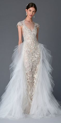 Wedding dress from the Marchesa Spring/Summer 2017 Bridal Collection. Image by FirstVIEW, courtesy of Marchesa. Spring 2017 Wedding Dresses, Wedding Dress Trends, Bridal Dresses, Spring Wedding, Marchesa Wedding Dress, Marchesa Bridal, Marchesa Spring, Marchesa 2017, Beautiful Wedding Gowns