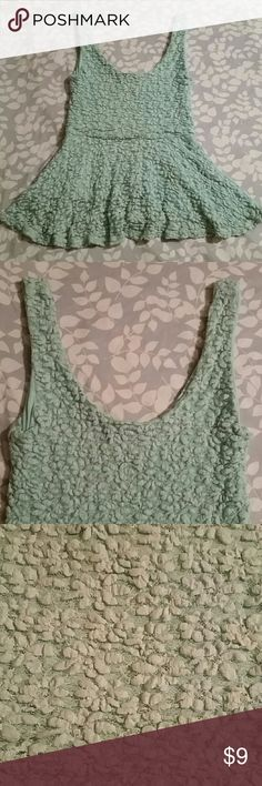 PINS &NEEDLES Ruffle flower pattern stretchy tank Great condition color is teal Pins & Needles Tops Tank Tops