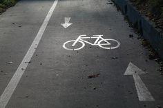 Tomáš Korček - Výstavba novej cyklotrate na Kolibe v spolupráci OZ Slobodný Bajker  http://korcektomas.blogspot.sk/2015/06/tomas-korcek-vystavba-novej-cyklotrate.html