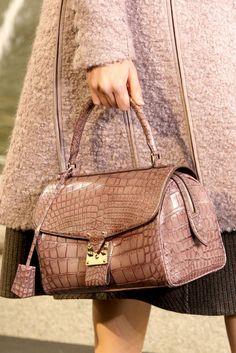 Louis Vuitton Louis Vuitton Online, Louis Vuitton Handbags, Purses And  Handbags, Burberry Handbags 2338a07a67c
