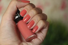 Esmalte Sintonia boa da Speciallitá, uma linda cor perfeita para o outono/inverno.