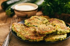 Check out this delicious and quick fritter you can knock up in next to no time, made with spiced kumara and Olivado oil, from Kiwi chef Brett McGregor. Cooking Avocado, Lemon Yogurt, Sweet Chilli Sauce, Queso Fresco, Cake Ingredients, Fritters, Great Recipes, Zucchini, Food And Drink