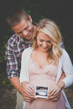 the cutest couple pregnancy pictures ever